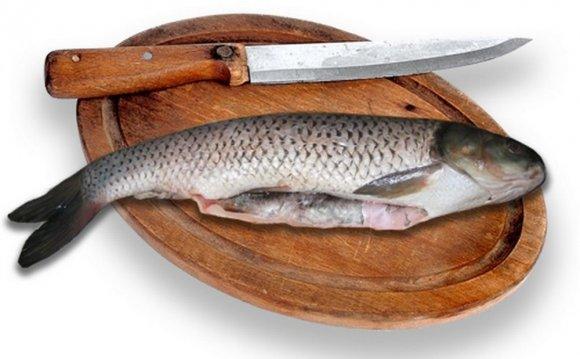 и быстро почистить рыбу